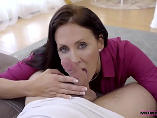 hd brunette handjob